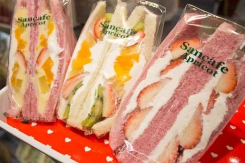 【ウマ可愛い!】話題のファミーユのサンドイッチメニュー♪
