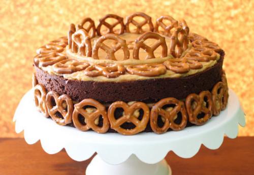市販のお菓子で作る!簡単&斬新ケーキトッピング特集!
