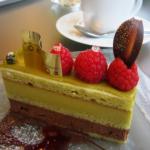 【今すぐ食べよ♡】イートインOKの梅田のおすすめケーキ店5選