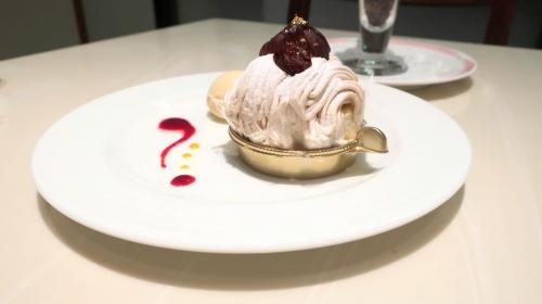 神戸のホテルオークラ内のカフェレストランカメリアのモンブラン