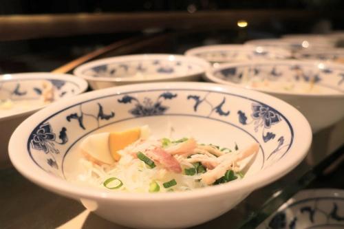 ハイアットリージェンシー大阪のバリ料理ビュッフェのライスヌードル