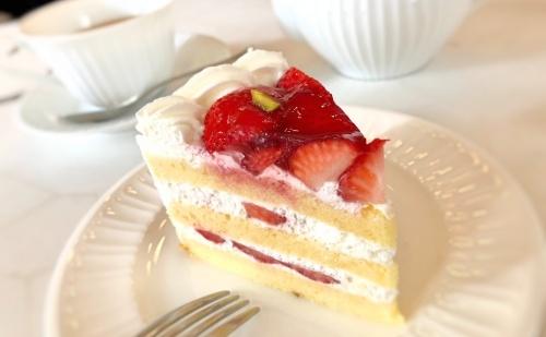 神戸旧居留地、トゥーストゥースメゾン15の苺ショートケーキ