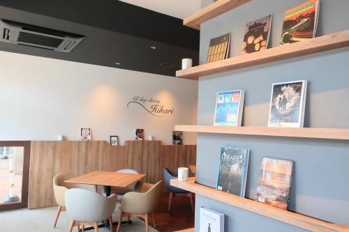 高石駅前でモーニングが頂けるひかりカフェさんの店内