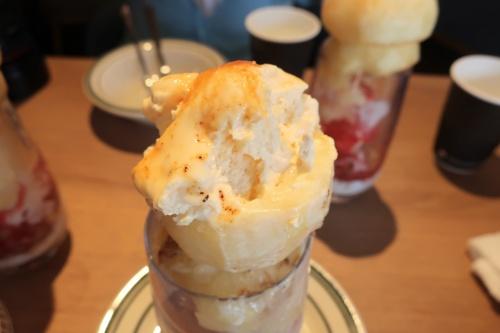 高石・東羽衣 ひかりカフェさんの桃のブリュレパフェ