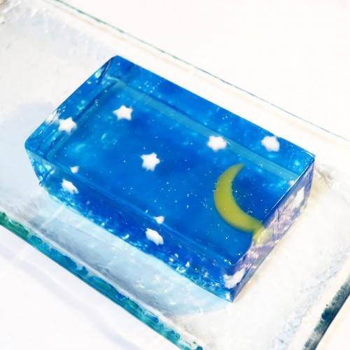 亀屋清永の夏のようかん、クリアブルーが美しい星づく夜