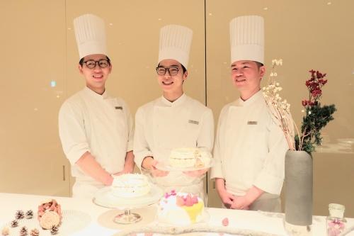 ハイアットリージェンシー大阪のクリスマスケーキを手がけるシェフたち