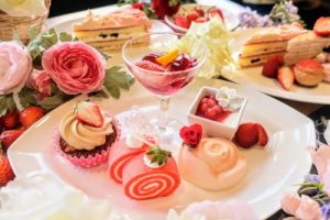 ヒルトン大阪のいちごとお花のスイーツビュッフェ