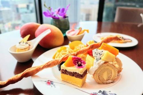 インターコンチネンタルホテル大阪のマンゴースイーツビュッフェの様子