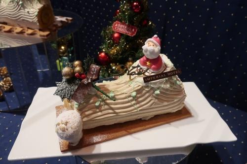 帝国ホテル大阪名物、バタークリームのブッシュドノエル。