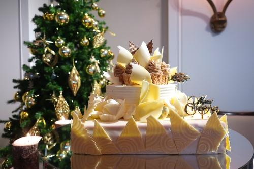 帝国ホテル大阪のクリスマスケーキ2019を代表するお城みたいなケーキ